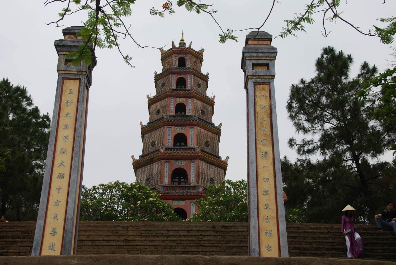 Arrivée à la pagode Thien Mu