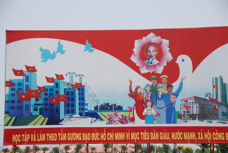 """""""Apprendre et faire comme Ho Chi Minh pour que le peuple soit aussi riche que le pays"""""""