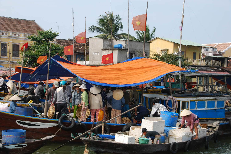 Scène de vente de poissons