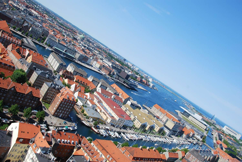 Vue du clocher de Vor Frelsers Kirke à Christianshavn