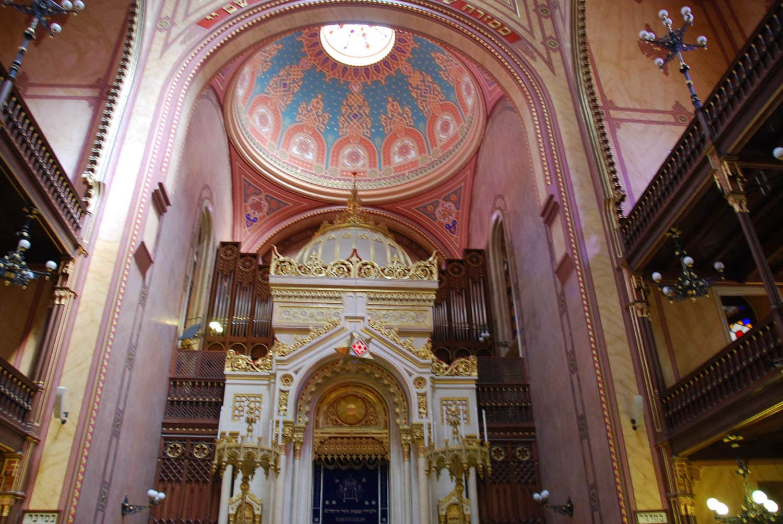 Intérieur de la synagogue Nagy