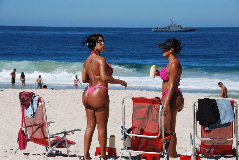 Men brazil bikini